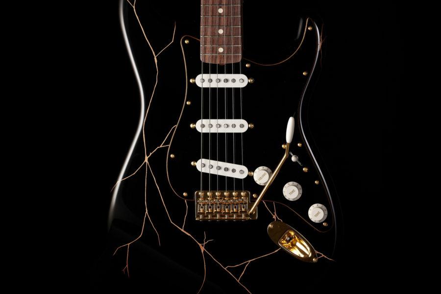 フェンダー漆ギター